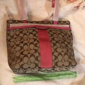 Coach Bags - NWT COACH Khaki and Berry Tote